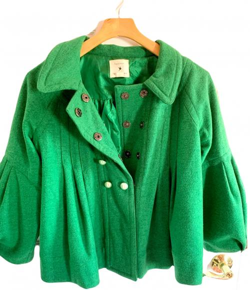 Forever 21 Green Vintage Inspired Puffed Sleeve Coat , Vintage style coat, Green coat, Tapered coat, Puffed sleeve coat